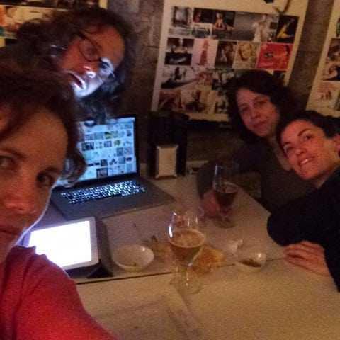 """""""Ens hem de fer un selfie"""" (Anna Mata)"""